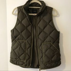 JCrew green puffer vest with pockets